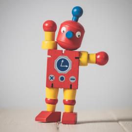 Drewniany Retro Robot na gumkach